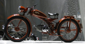 IMME R100, 1948-1951: Το άκρο αντίθετο του παπιού