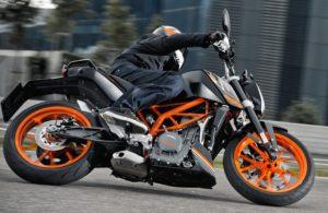 KTM: Duke 200-390, με 92 και 137 ευρώ το μήνα