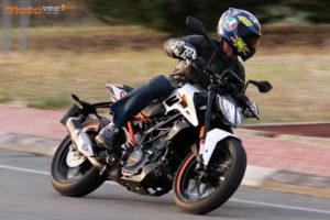 KTM DUKE 125, 2017: Πρώτη Επαφή