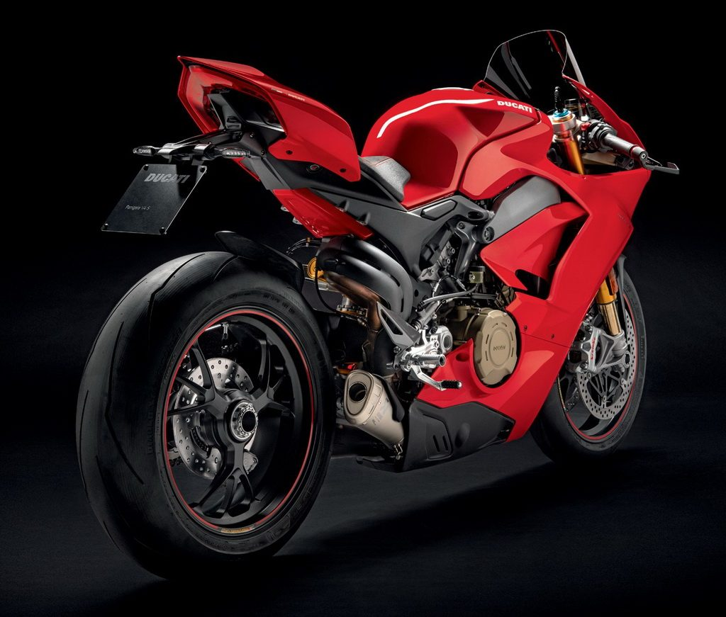 Panigale V4 Delivers Ducati to its Golden Age: Test at