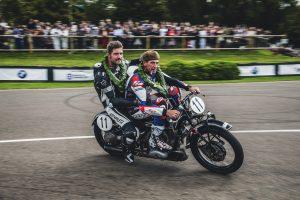 BMW: Corser – Επική οδήγηση με ιστορική μοτοσυκλέτα